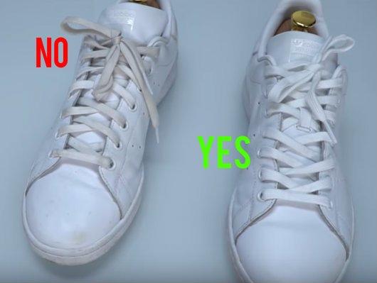 Άλλαξε συχνά τα κορδόνια στα λευκά αθλητικά παπούτσια