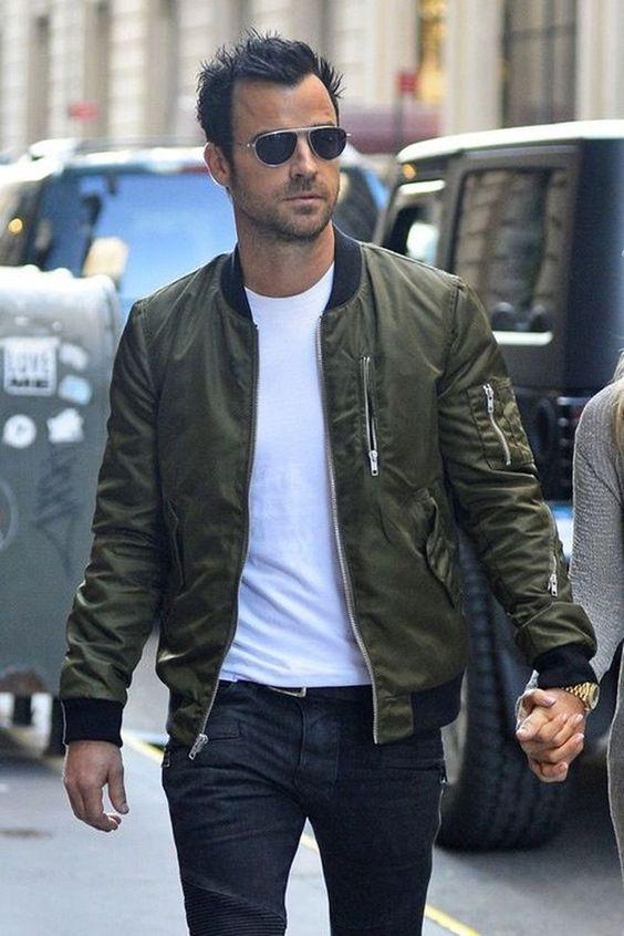 Το basic bomber jacket κάθε άνδρα