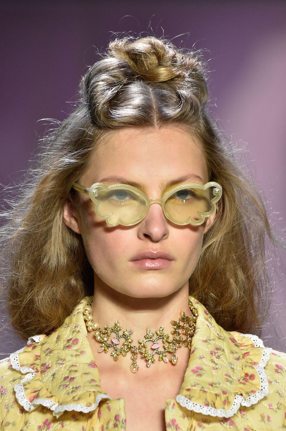 Ανοιξιάτικα χρωματιστά γυναικεία γυαλιά ηλίου 2020