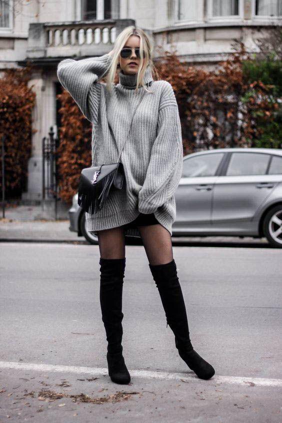Για πιο σέξυ εμφάνιση, βάλε τις ψηλές μπότες σου με μακρύ πουλόβερ