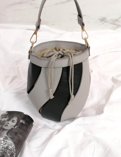 Γυναικείο γκρι δίχρωμο τσαντάκι πουγκί 210347G