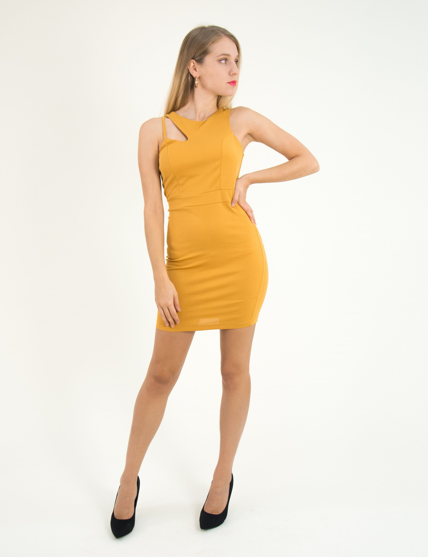 fccd3c33e99 Γυναικείο ώχρα αμάνικο φόρεμα μονόχρωμο άνοιγμα 3783