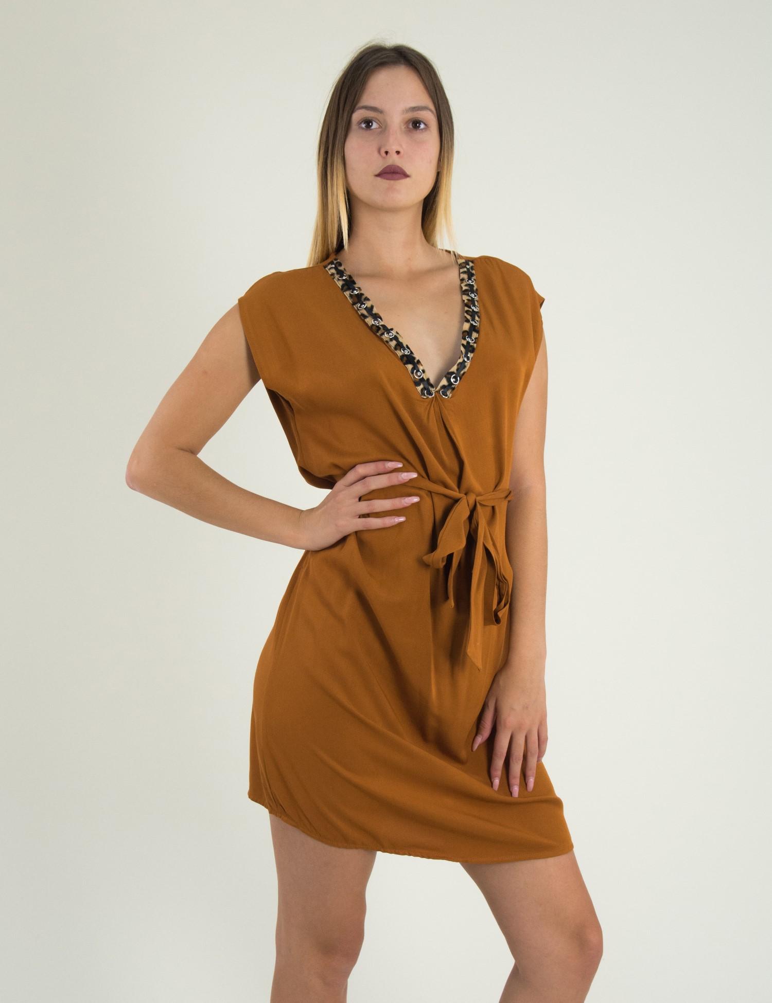 548b94bd8d7f Γυναικείο κάμελ αμάνικο φόρεμα με λεοπάρ σχέδιο 1175824G