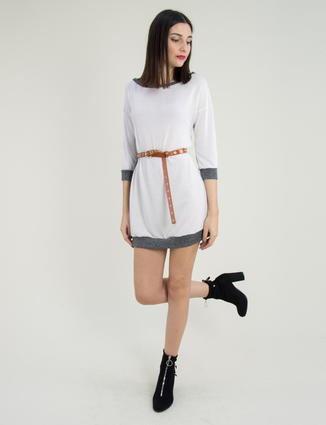 Γυναικείο λευκό φόρεμα με ζακάρ σχέδιο κοντό μανίκι 91098 587ba7fe72d