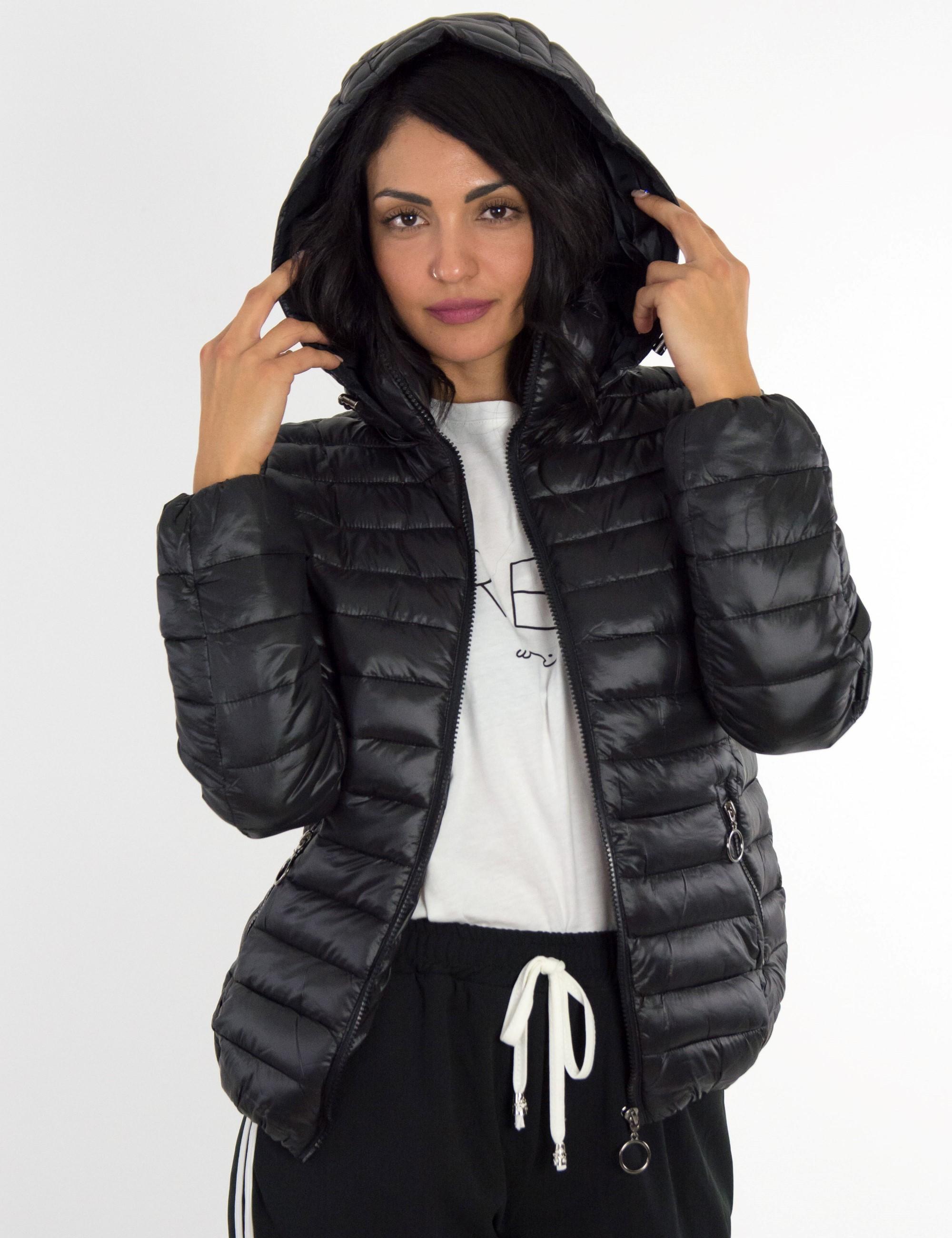 Γυναικείο μαύρο καπιτονέ μπουφάν με κουκούλα H925
